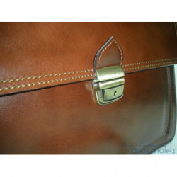 Maletín bandolera caballero de Morgado Piel color marrón con doble asa de mano y cinta regulable en piel vacuno ref.11108